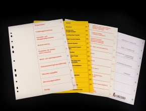 A4 plastregister med screentryckta specialdesignade försättsblad.